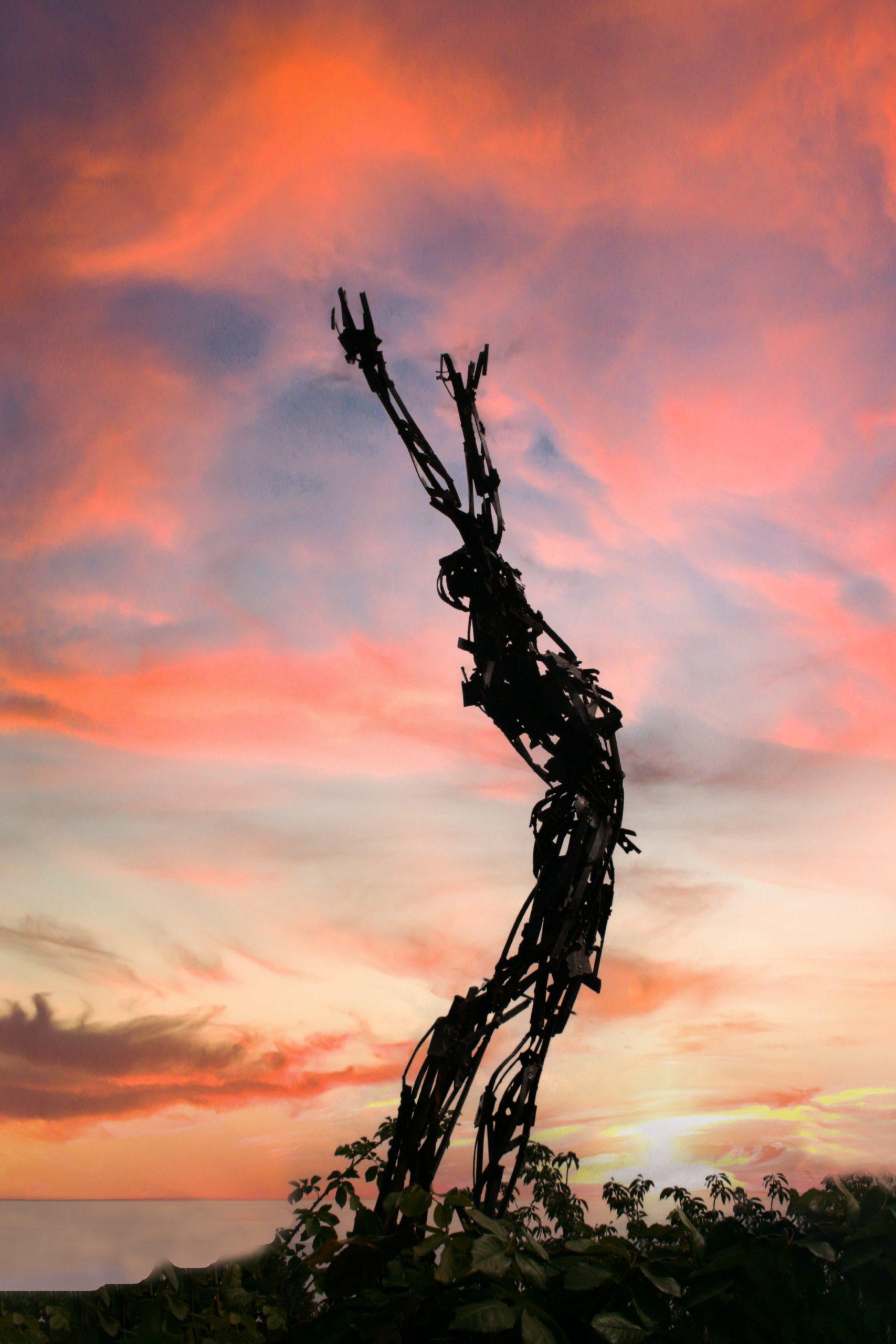 uomo e cielo scaled - Installations